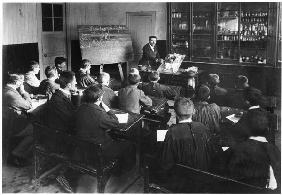 A natural history class in a primary school, Orme, dissection of a rabbit, early 20th century (b/w p