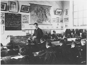 Class in a primary school, Orme, 2nd March 1909 (b/w photo)