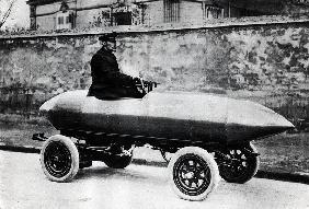 Electrical racing car Jenatzy ''La Jamais Contente'', c.1900 (b/w photo)