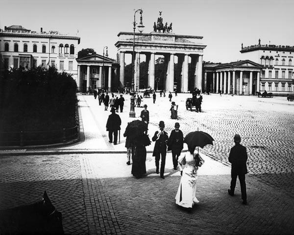 Berlin / Brandenburg Gate / Photo / Levy