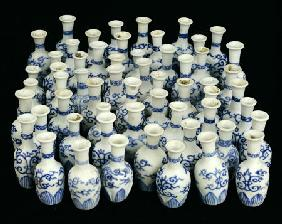 A Selection Of Chinese Vases Recovered From The Nanking Cargo