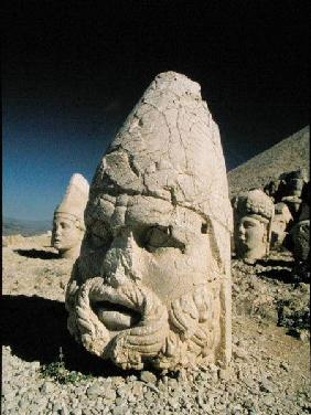 Head of Zeus-Oromandes (photo)