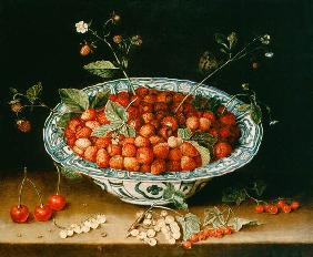 Porcelain bowl with strawberries
