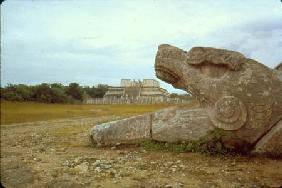 Temple of the Warriors and Serpent column (photo)