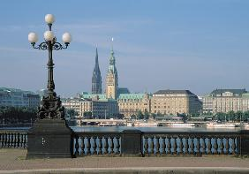 Binnenalster with City hall, Hamburg, Germany